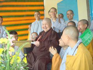 Xưng hô làm sao cho phải phép, phải đạo trong Phật giáo
